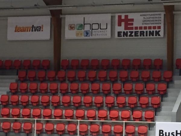 Komt u naast ons hangen? - Met een sponsorbord bij SaZa Topsporthal Doetinchem